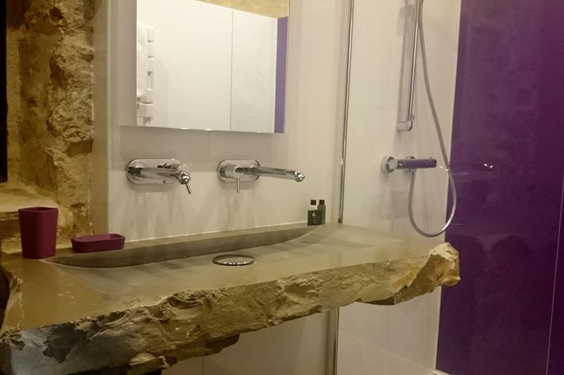 Salle de bain de la chambre d'hôte Le Pailler